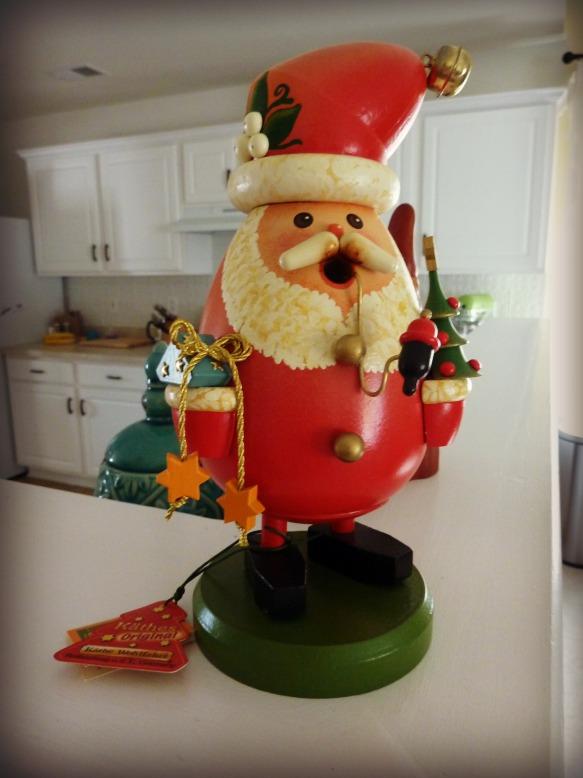 German Smoking Santa