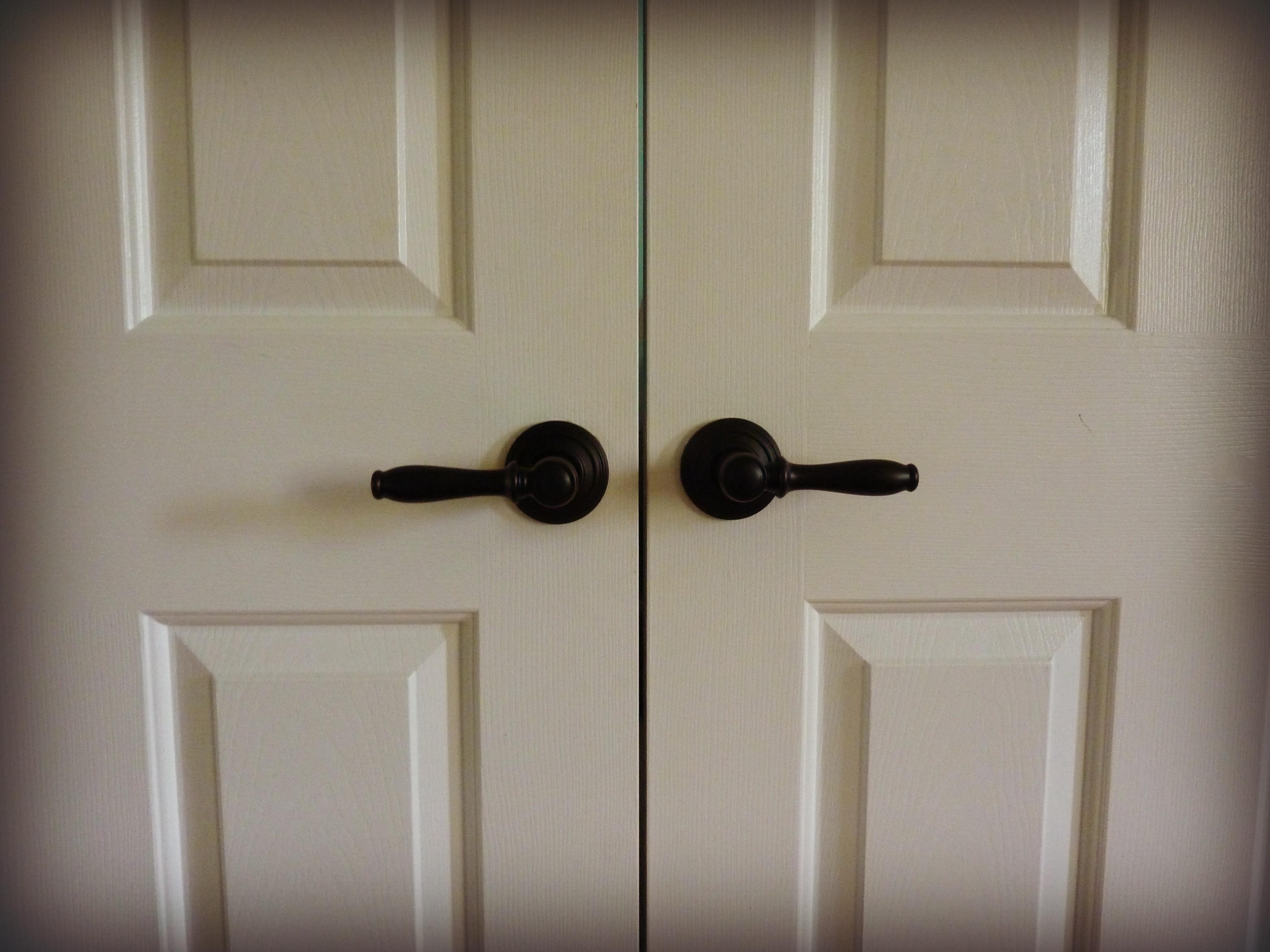 installing new door knobs | rememberwren